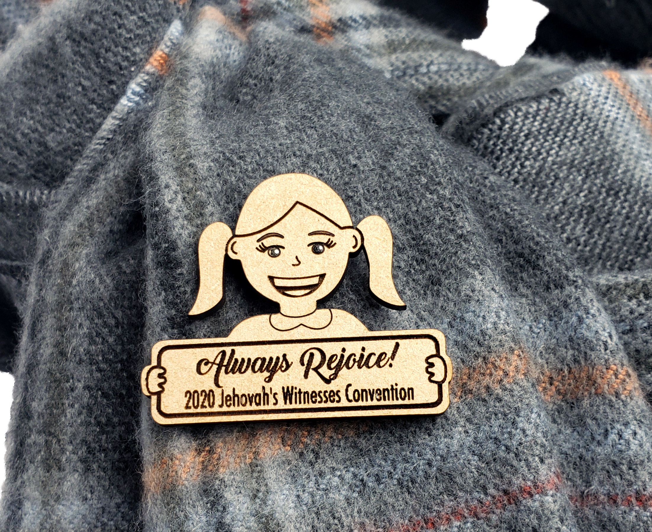 "Always Rejoice 2020 Pin Wooden - ""Sophia"""